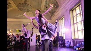 Провинциальные танцы устроили шоу на ЖД вокзале в Екатеринбурге