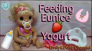 Feeding 2007 Baby Alive Learns To Potty Doll Eunice�yogurt😋