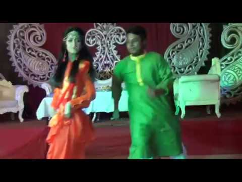 Dhakai Saree   Awesome Holud Dance Performance By Sam and Sneha   Bengali Holud Ceremony 2018  