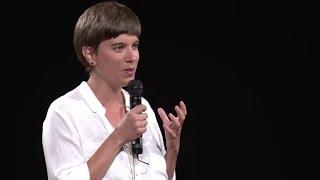 O que nosso olhar sobre dinheiro revela sobre nós? | Isabel Zborowski & Taiana Trajano | TEDxUNIRIO
