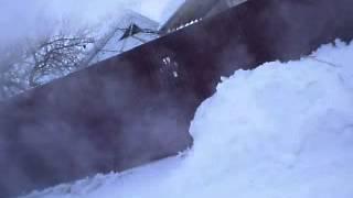 Что будет если вылить горячую воду на мороз -30 °C