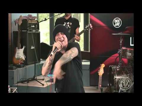 J-Ax, Fedez & Albertino: Live x il nuovo deejay.it + Speciale Asganaway  video HD