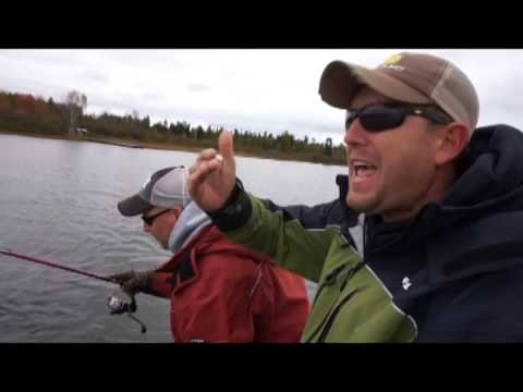 How To Blade Bait Fish- Cold Water Walleye's Using Abu Garcia Veracity Spinning Rods Walleye Fishing