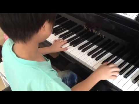 Hungarian Dance No.5 piano by JuiJui (6 year old boy)