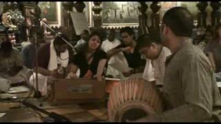 NY Eve Bhajan - Gopi Gita dasi - Ohe Vaishnava Thakura - 2/21