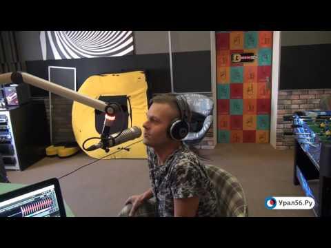 текст песни pretty woman. Трек НОВИНКИ DFM 2015 | Roy Orbison - Oh, Pretty Woman (DJ Kolya Funk &amp DJ Kolya Dark Radio Remix) vk.com/Newmusic в mp3 192kbps