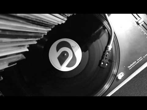 """Bassheads - Is There Anybody Out There? (Extended) - 12"""" Vinyl - 1991"""