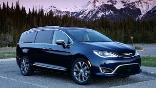 2020 Chrysler Pacifica Limited – Design, Driving & Sound!