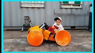 Kids Repair Toy Сar and Change the Orange Wheels Kids Repairman Pretend Play