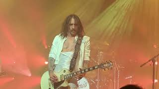 """The Darkness """"Live 'til I die""""and """"Heart explodes""""live at Alcatraz Milano 6 febbraio 2020"""