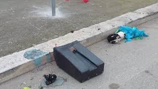 Abbandonano rifiuti alla piazza del pesce di Bisceglie