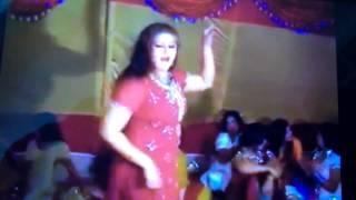MARYAM NAWAZ DANCE