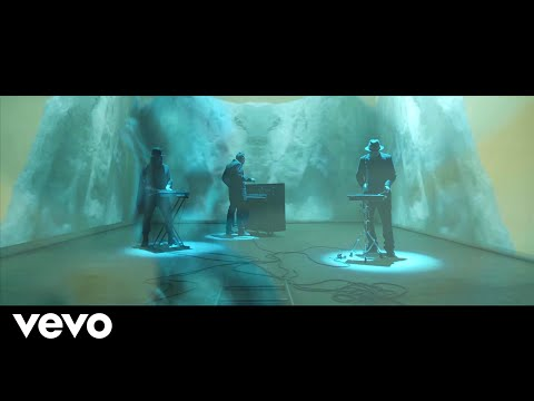 Archive - Splinters (Official Video)
