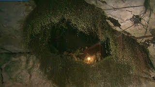 Travel inside a sinkhole