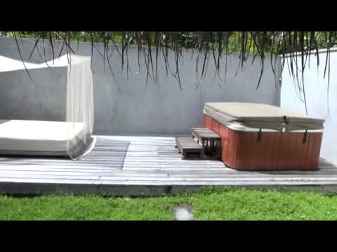 deluxe beach villa mit jacuzzi youtube. Black Bedroom Furniture Sets. Home Design Ideas