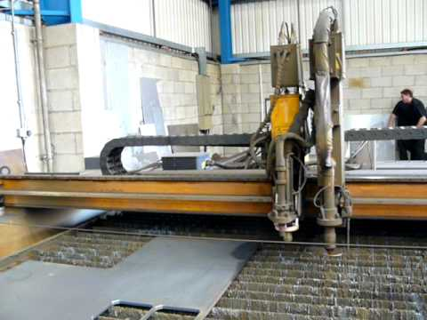 Esab Combirex Cxe 4000 Portal Plasma Cutting Machine For