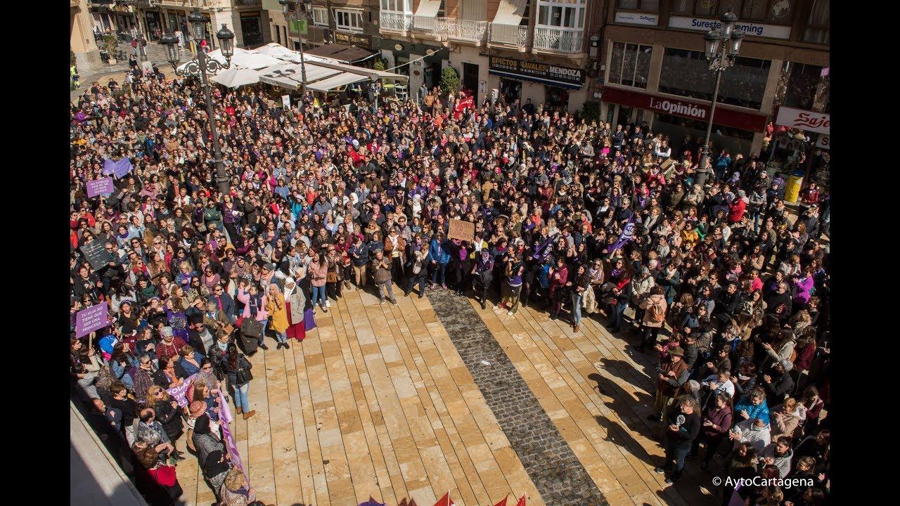 """""""Generacin igualdad"""": miles de mujeres marchan en el Da ..."""