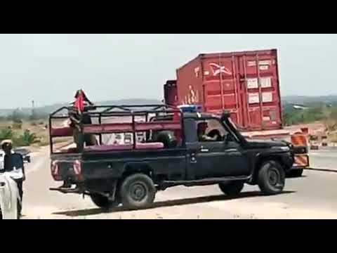 Download MSAFARA WA MAKAMU MWENYEKITI WA CHADEMA MHESHIMIWA TUNDU LISSU WAZUILIWA NA POLISI MAENEO YA KILUVYA