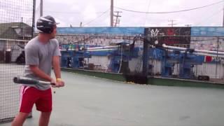 бейсбольный мяч в камеру