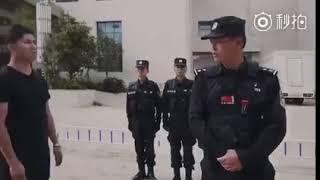 中国公安が教える刃物を持った悪党への対処法#中国公安教普通人如何面对持刀歹徒#china police help thumbnail