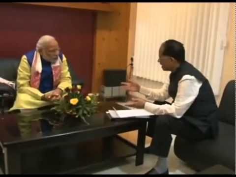 PM Modi meets Assam CM Tarun Gogoi at Guwahati
