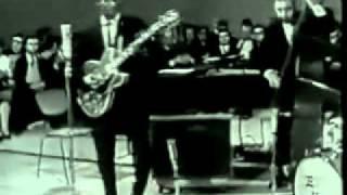 Chuck Berry - Johnny B. Goode  Live 1958