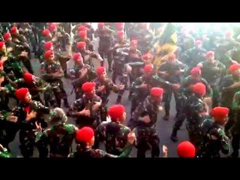 Yel yel Komando pasukan khusus dlm HUT TNI 72