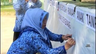 Video SMAN 3 SENGKANG UNGGULAN KAB.WAJO (Hari Jadi Provinsi Sulawesi Selatan yang ke-347 tahun) download MP3, 3GP, MP4, WEBM, AVI, FLV Desember 2017