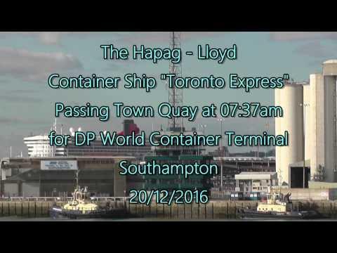 "Container Ship ""Toronto Express"" early morning Southampton 20/12/16"