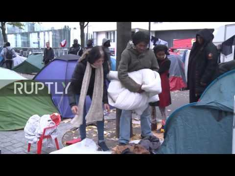 France: Refugee camp by Paris metro swells as Calais closes