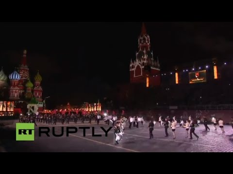 "LIVE: ""Spasskaya Tower - 2015"" festival kicks off with a march on Moscow's Red Square"