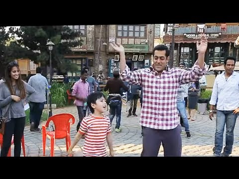 Thumbnail: tubelight songs HD || Salman Khan Tubelight dance with Zhu Zhu -Radio song 16 May