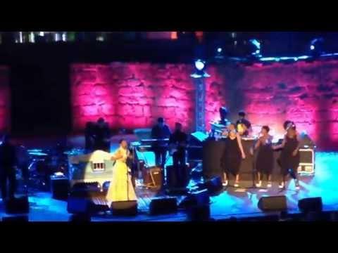 Lauryn Hill  Carthage 2015 Vidéo via Smartphone