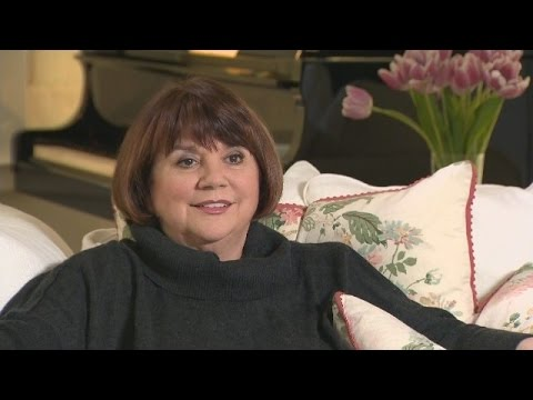Linda Ronstadt Reveals What Life Is Like After Singing Silenced By Parkinson's Disease
