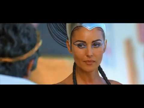 Cleavage of Cleopatra - Monica Bellucci thumbnail