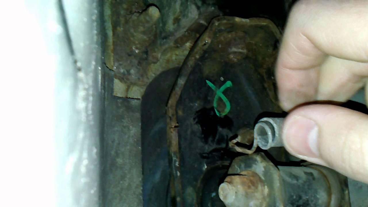 Клапан системы рециркуляции выхлопных газов Nissan Almera N16 .