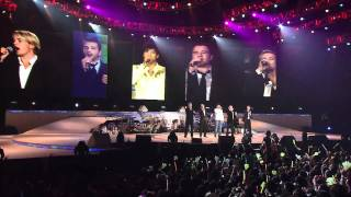 王力宏 + Westlife   盖世英雄演唱会   You Raise Me UpHD Video