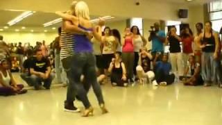 Девушка танцует бачата(, 2012-01-20T07:03:34.000Z)