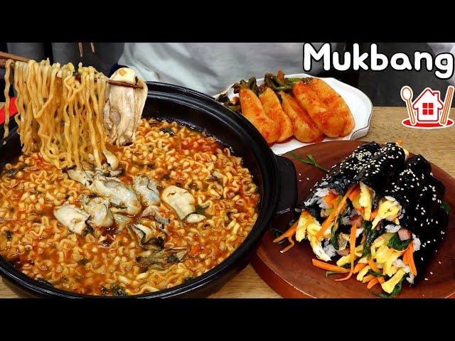 국물이 시원~한 굴 진짬뽕 🥘 꼬마김밥과 총각김치 먹방 ! Mukbang