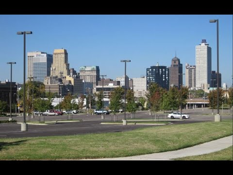 MEMPHIS TENNESSEE / Downtown Driving