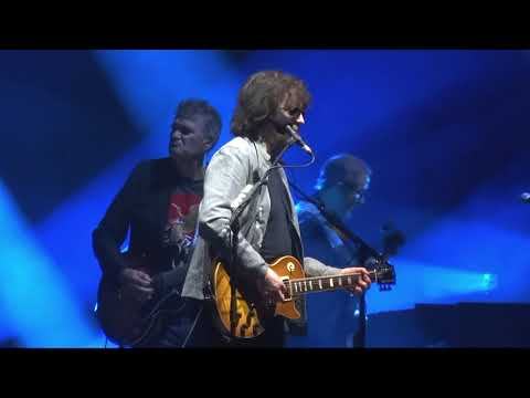 """""""Don't Bring Me Down"""" (Live) - ELO - Oakland, Oracle Arena - August 2, 2018"""