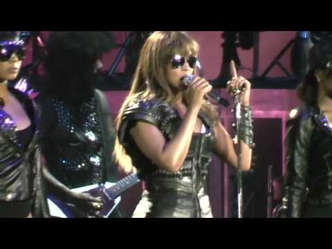 Beyoncé - Broken-Hearted Girl & If I Were A Boy Live In Athens,Greece @ O.A.K.A. 11/08/09