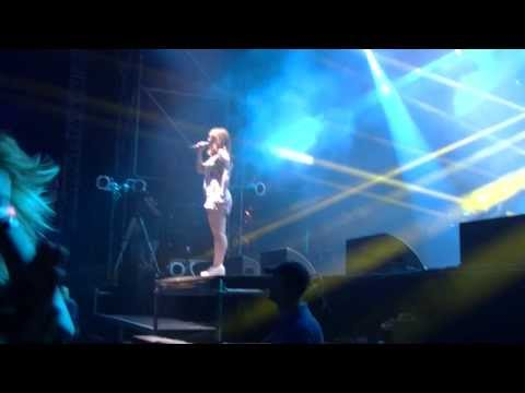 Katy B - Light as a Feather (live) @ Sziget Festival 2013, Budapest, 11.08.2013