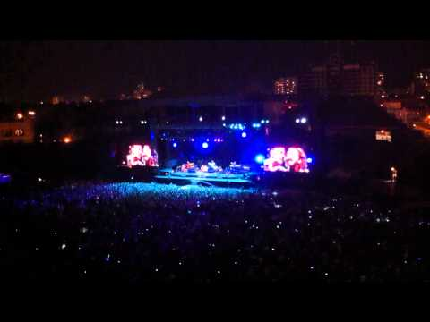 Darkness on the Edge of Town - Bruce Springsteen and Eddie Vedder 9/8/2012