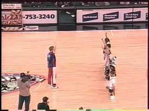 Professional Simon Says Caller Steve Max with NBA Basketball Halftime Show!