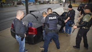 Cảnh sát di trú truy lùng Los Angeles, ít nhất 100 người bị bắt
