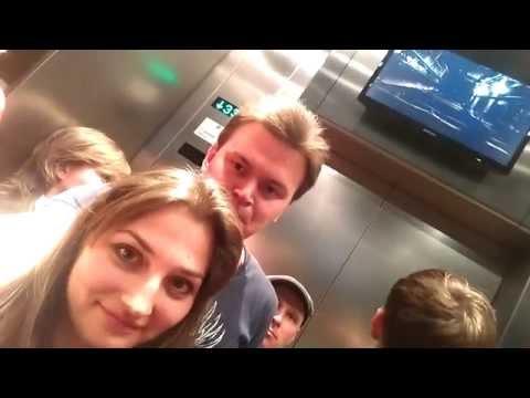 Лифт Останкинской башни застрял!