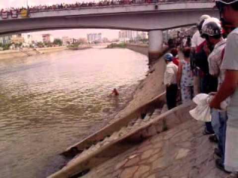 Xác chết bị giết quăng sông dưới cầu Chà Và