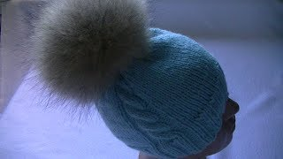 Вязание шапки спицами с узором