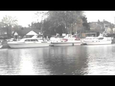 Thames water -Thames river -Hampton court